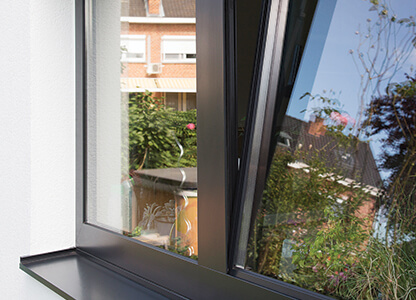 Aluminium tilt and turn window